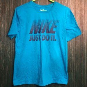 Nike shirt medium